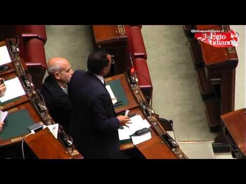 VIDEO - Buonanno distrugge la Boldrini: