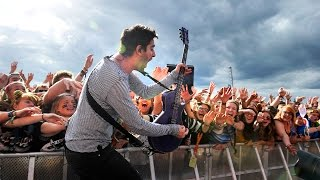 All Time Low - Time Bomb (Reading 2015) - BBC