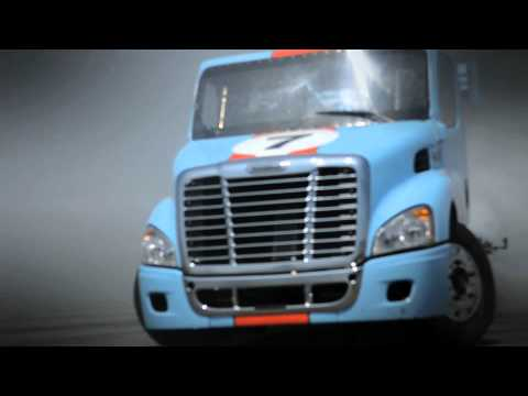 FORMULA DRIFT FIRST EVER SEMI TRUCK DRIFTING EXHIBITION