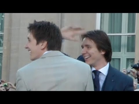 Oliver and James Phelps - Harry Potter Premiere London 2011 - Magical episode 2