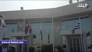 بالفيديو والصور .. العلم المصري يرفرف في مطار قبرص استعدادا لزيارة السيسي
