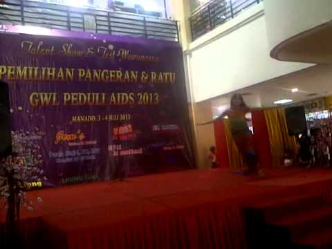 Waria Gorontalo Multi Talent 2013 - (Jurusan Keperawatan) - Menari Tarian INDIA Part 1