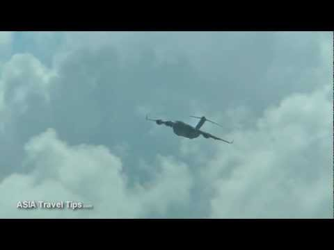 C-17 Globemaster III Flight Display @ Singapore Airshow 2012 - HD