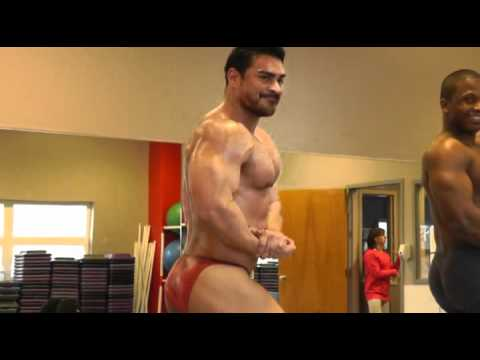 Arnold Quest: 4 Weeks Out. 2/4/12. Posing Practice 2/2