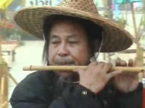 บรรเลงขลุ่ยผิวเพลงในฝันโดยอาจารย์สมศักดิ์ เกตุเพชร