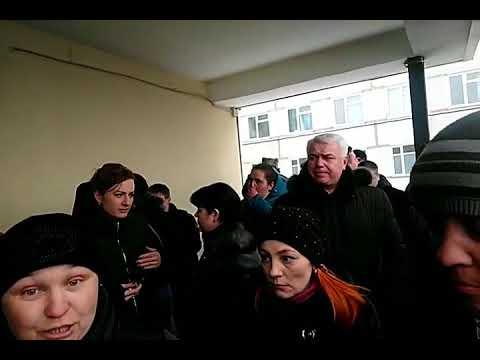 Жители Волоколамска вышли на митинг после отравления детей