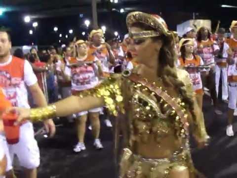 Viviane Araújo Salgueiro 2012 - Ensaio técnico