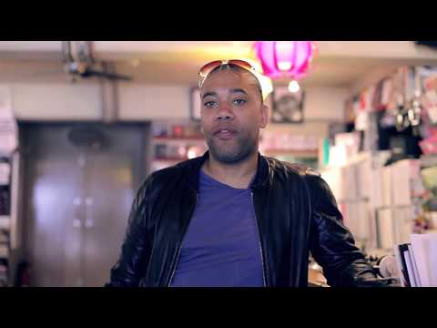 FACT TV: Record Shopping with Carl Craig