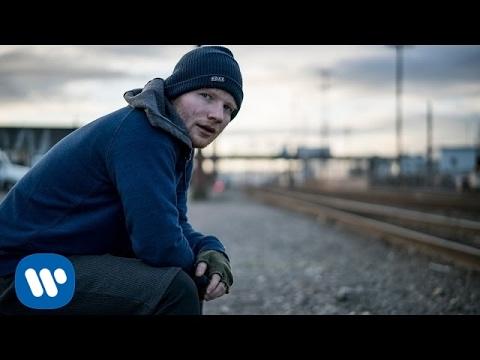 Eda Sheerana, mainstreamowego wokalisty dla nastolatków, w ukryciu słucha wielu z nas