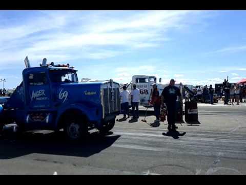 Drag Wars 11 Semi Truck Race