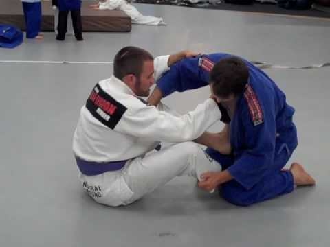 Jiu Jitsu Technique - Spinning Circle Choke - BJJ Move Part 2/2 -JMy5sCyss5M