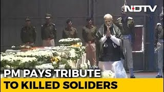 Prime Minister Narendra Modi Pays Tribute to Killed Soldiers - NDTV