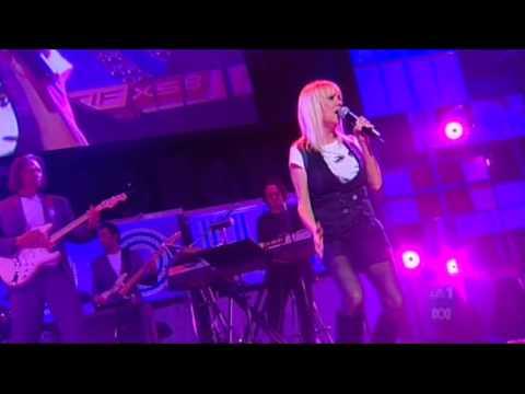 Sharon O'Neill - 'Maxine' (Live)