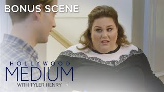 Tyler Henry & Chrissy Metz Get Their Selfie Game On | Hollywood Medium with Tyler Henry | E! - EENTERTAINMENT