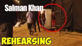 Salman Khan rehearsing before an event - CAPTURED