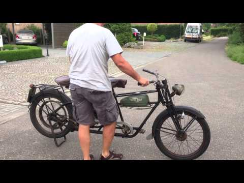 Whizzer tandem 138cc 4 stroke of 1946 in first paint. Test ride bike 62