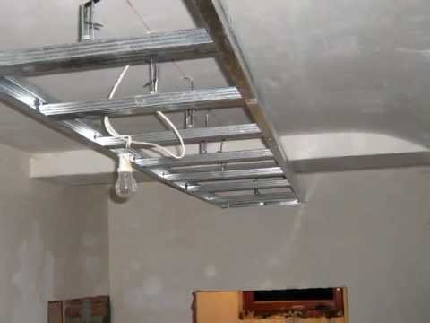Budowa półki z płyt kartonowo gipsowych w przedpokoju