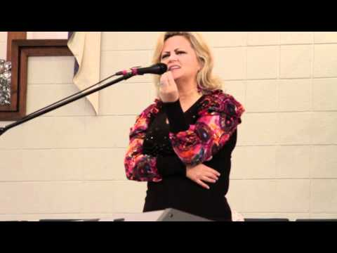 Vicki Yohe Amp Frank Munsey Vidoemo Emotional Video Unity