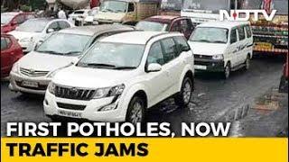 Potholes Lead To 2-Km-Long Jam On Highway In Mumbai Suburbs - NDTV