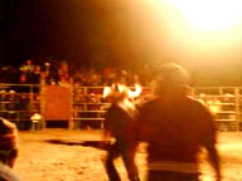 Viaje a la Cantera PARTE 10 - Jaripeo Ranchero (Toros de reparo) CAP. 4 Golpes en el rodeo