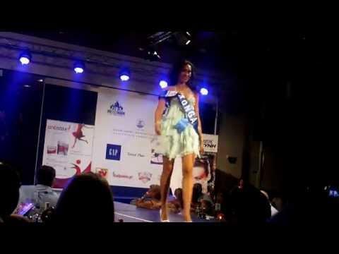 Miss Παγκόσμιος Τουρισμός 2011 - Βραδινά φορέματα