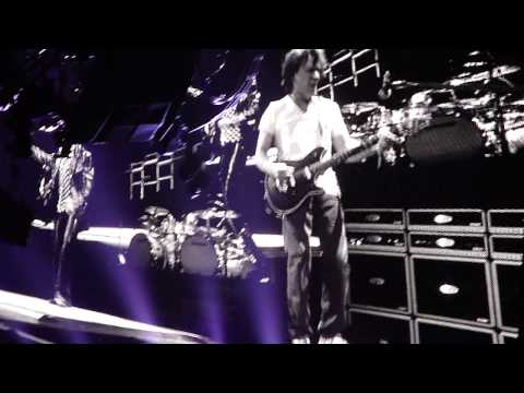 Ain't Talkin Bout Love (Live) HD - Van Halen 2012 Tour: Detroit, MI [2/20/12]