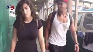 Sexual Harrasment On Actress Shoshana Roberts While Walking On Streets | Manhattan : TV5 News - TV5NEWSCHANNEL