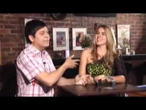 Inside TV - Rivanildo entrevista a cantora Soraya Castelo Branco