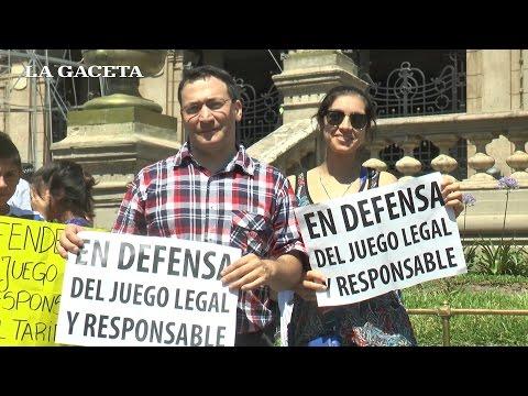 Trabajadores de juegos de azar manifestaron en plaza Independencia