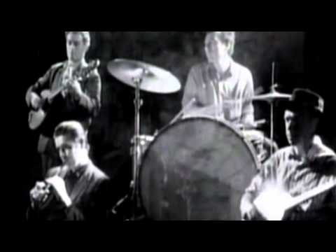 "The Pogues ""Fairytale of New York"" -Jq9hdMIVpac"