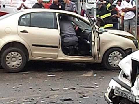 O Pior Acidente de Carro Deste Lugar. - 100 3059