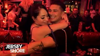 Angelina 'Cheats' w/ Pauly 😱 | Jersey Shore: Family Vacation | MTV - MTV