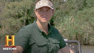 Swamp People: Kristi Takes Two For Good Measure (Season 9, Episode 15) | History - HISTORYCHANNEL