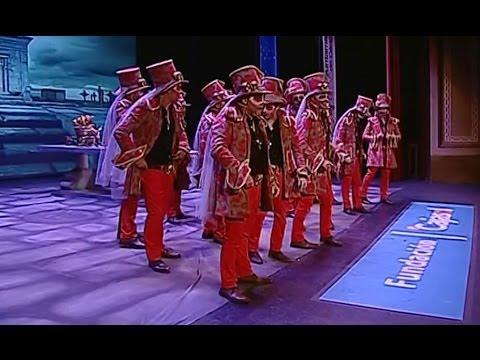 Sesión de Semifinales, la agrupación El patio de las malvas actúa hoy en la modalidad de Comparsas.