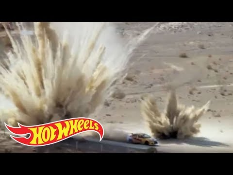 Team Hot Wheels: Double Loop Dare Drone Crash