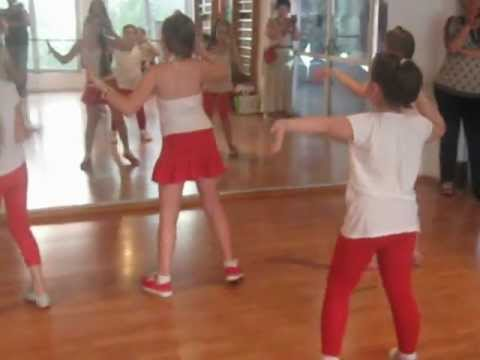 mini frumuseti zumba dance 2012 1