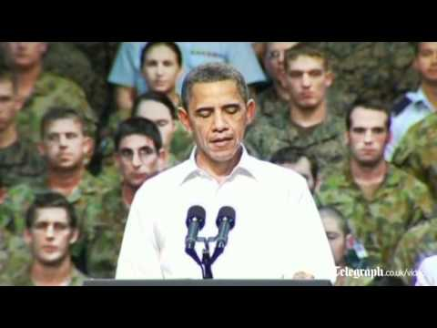 US President Barack Obama meets US and Australian troops in Darwin