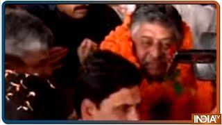 Group of BJP workers raise ' Ravi Shankar Prasad Go Back' slogan at Patna airport - INDIATV