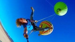 لعشاق المغامرة.. جربت القفز من بالون طائر؟