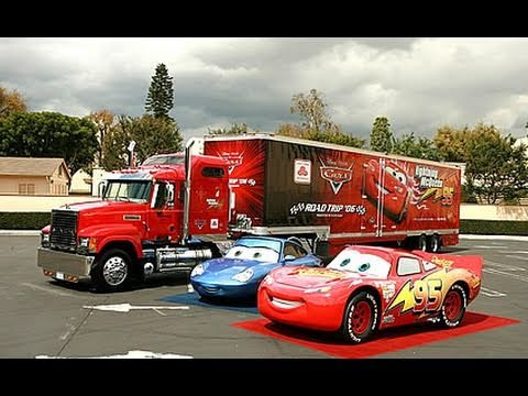 Cars 2 - Review by What The Flick?!