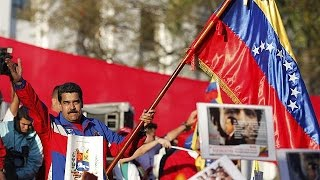 فنزويلا تفرض تأشيرات دخول على الأمريكيين وتقلص عدد موظفي السفارة