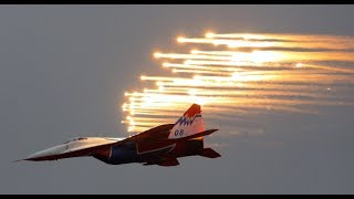 MAKS 2017: Head-spinning 360 video of legendary aerobatic team 'Strizhi' stunts - RUSSIATODAY