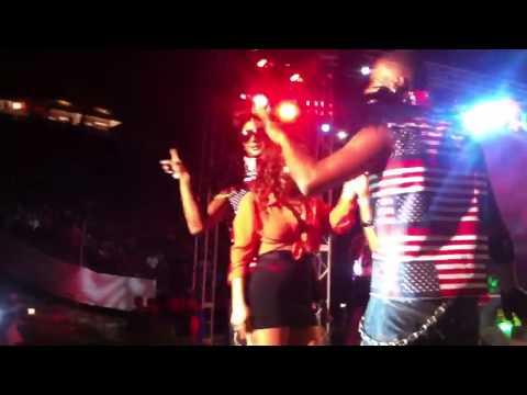 Chica Le Roba El Show a Melymel la Melmelada En Altos De Chavon