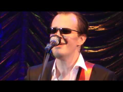 Joe Bonamassa-Lonesome Road Blues (Live At Hammersmith Apollo London 21/10/2011)