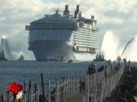 Raw Video World s Largest Cruise Ship