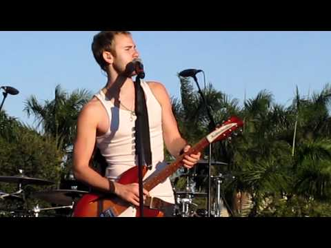"""Smoke and Mirrors"" by Lifehouse live at FIU in Miami, Florida on 11/6/10"