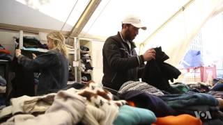 Vienna Train Station a Hub for Refugees - VOAVIDEO