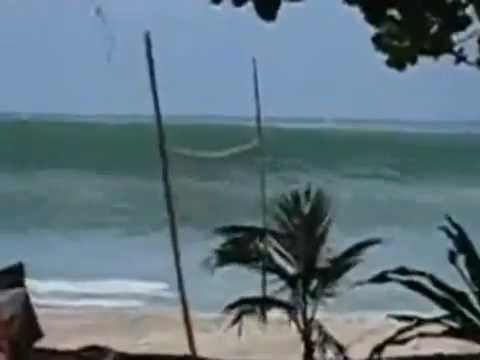Tsunami hits Indonesia توسنامي اندونسيا11/4/2012