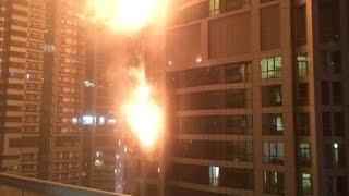 فيديو وصور...إندلاع حريق هائل في إحدى أعلى المباني السكنية في دبي وتوقف خدمة الترام