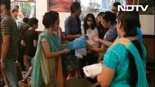 मुंबईकरों ने बढ़ाया मदद का हाथ - NDTVINDIA